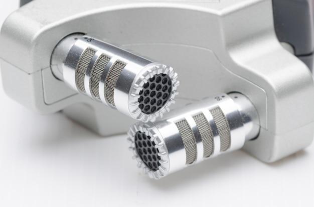 Microphone de studio à condensateur professionnel en gros plan Photo Premium