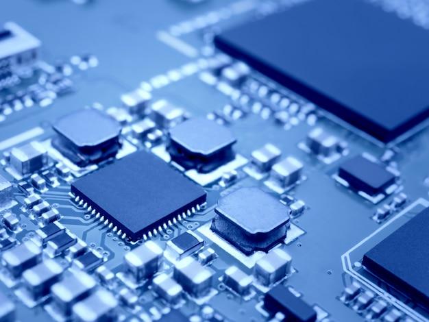 Microprocesseur sur circuit électronique Photo Premium