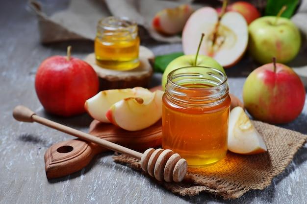 Miel avec pomme pour rosh hashana, nouvel an juif Photo Premium