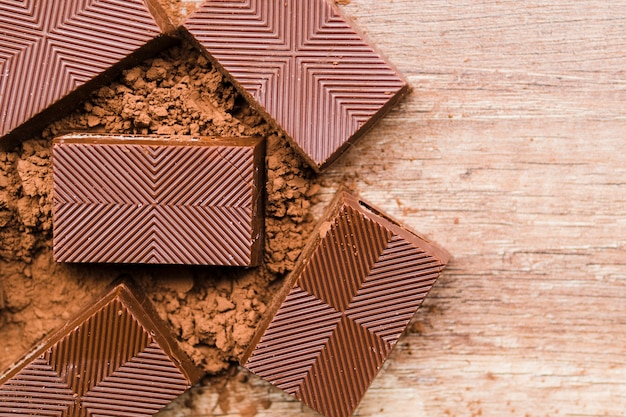 Miettes de chocolat et de cacao Photo gratuit