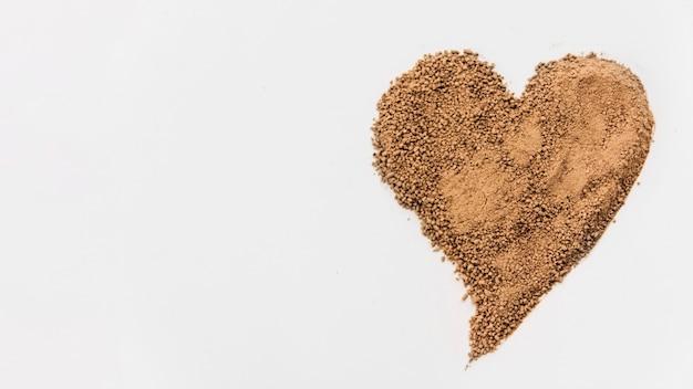 Miettes de chocolat en forme de coeur Photo gratuit