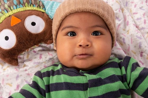 Mignon petit bébé asiatique Photo Premium