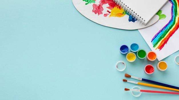 Mise à Plat D'aquarelle Colorée Avec Espace Copie Photo gratuit