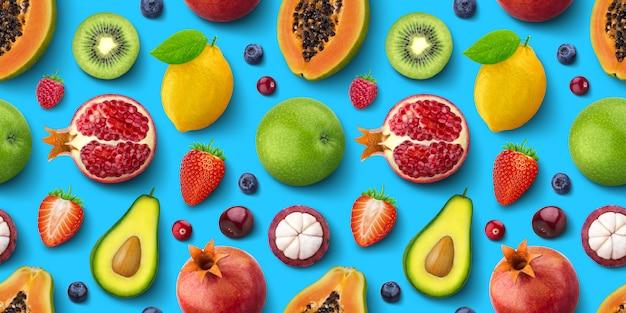 Modèle Sans Couture De Différents Fruits Et Baies, Plat Poser, Vue De Dessus, Texture Tropicale Et Exotique Photo Premium