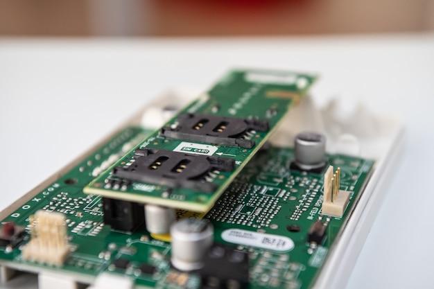 Module gsm - gprs pour les systèmes de sécurité. Photo Premium