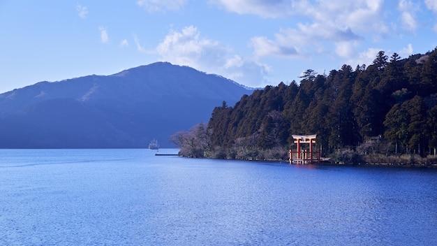 Mont fuji avec le lac ashi de hakone. Photo Premium