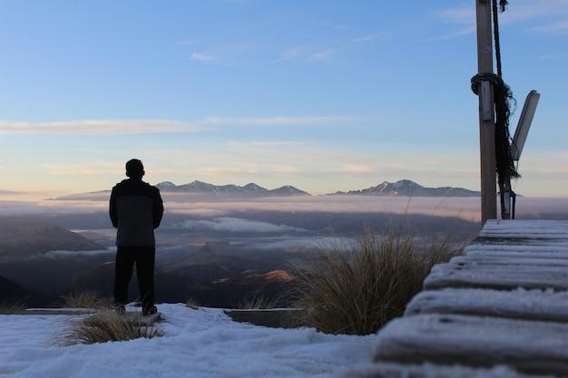 Montagnes Et Neige Le Matin En Nouvelle-zélande. Photo gratuit