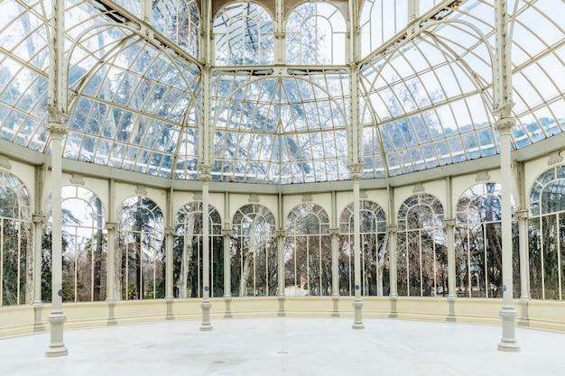 Monument palacio de cristal, madrid Photo Premium
