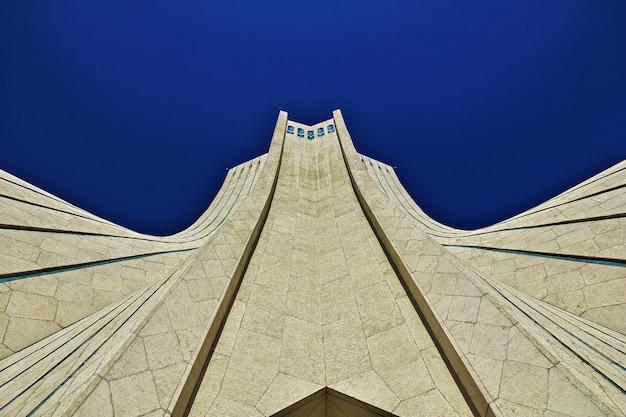 Monument à la ville iranienne de téhéran Photo Premium