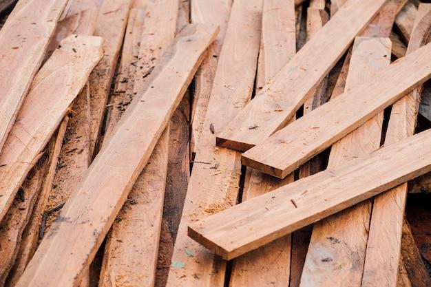 Morceau de planche de bois Photo gratuit
