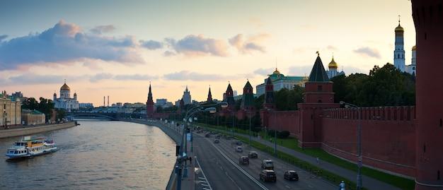 Moscou au coucher de soleil d'été. russie Photo gratuit