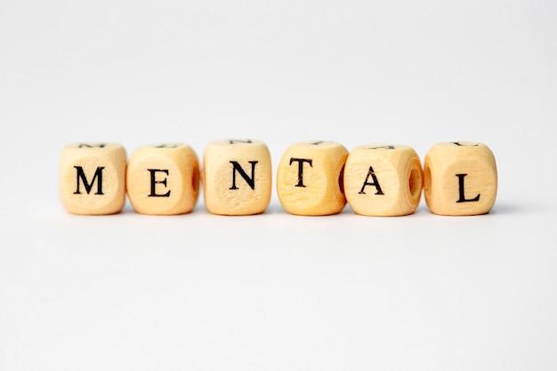 Le Mot Mental En Lettres De Cube En Bois Photo Premium