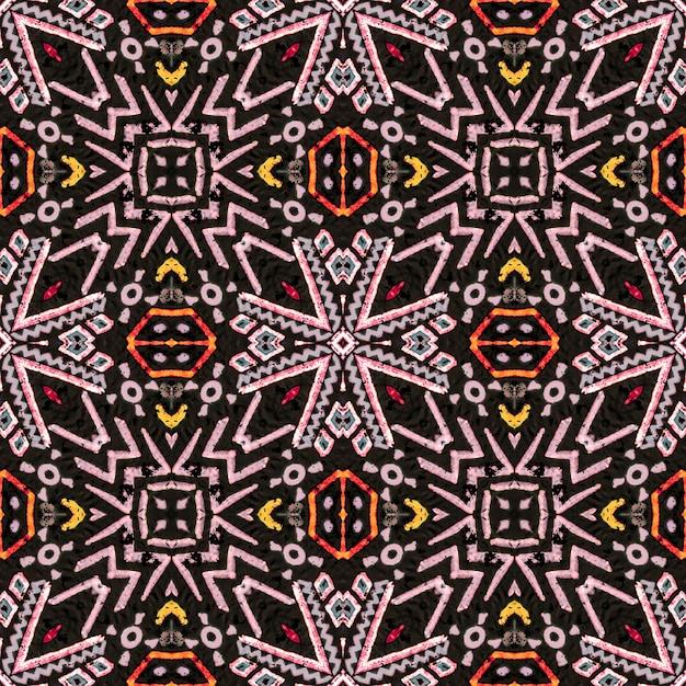 Motif Ethnique Lumineux. Art Décoratif. Modèle Sans Couture De Zigzag Brun Vert Rouge Photo Premium