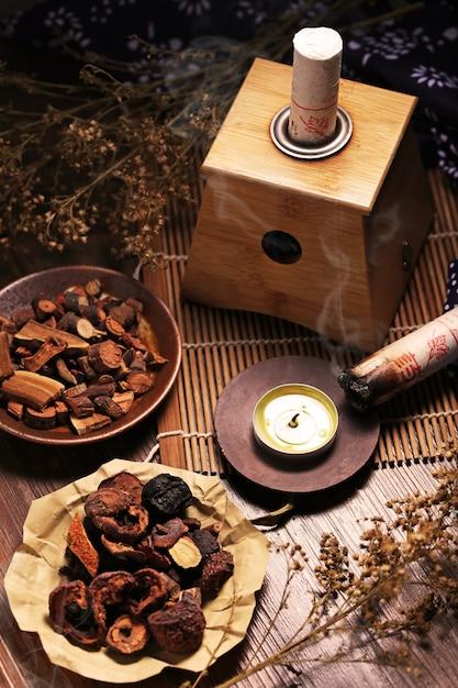 Moxibustion médecine chinoise Photo gratuit