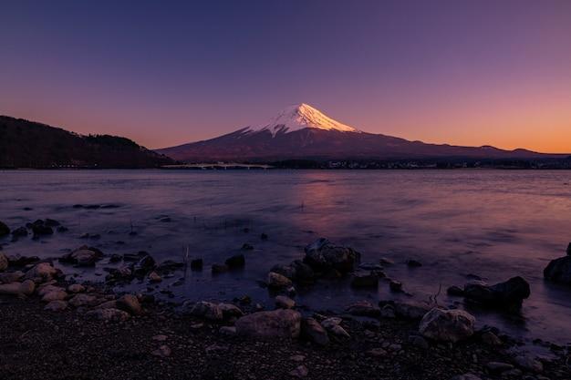 Mt. fuji à kawaguchiko fujiyoshida, japon. Photo Premium