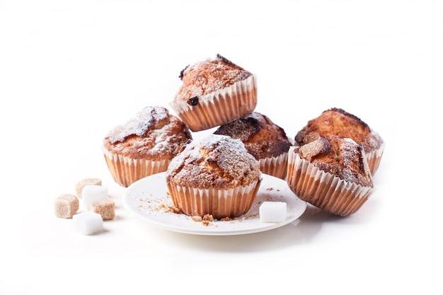 Muffins Au Sucre Isolés Sur Blanc Photo Premium