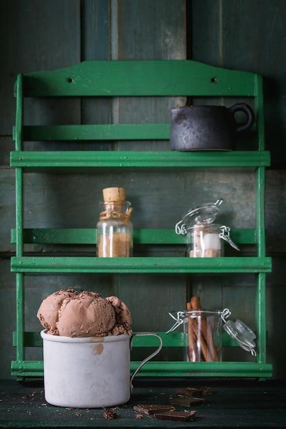 Mug avec glace au chocolat Photo Premium