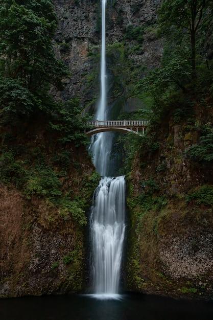 Multnomah falls en oregon Photo Premium