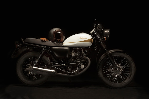 Nature Morte D'une Moto De Style Café Racer Photo gratuit