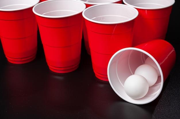 Nature morte tir d'un jeu de bière-pong Photo Premium
