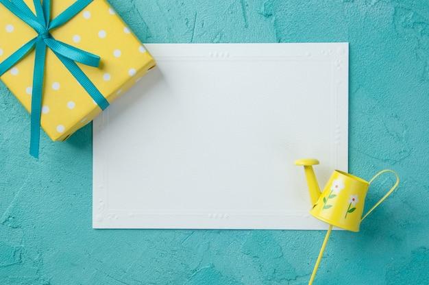 Note blanche blanche Photo Premium