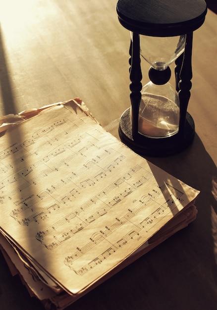 Notes De Musique Sur Les Partitions Photo gratuit