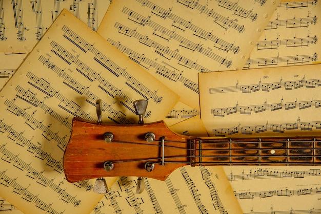 Notes Pour Guitare, Tête De Basse Touche Pour Vos Illustrations Photo Premium