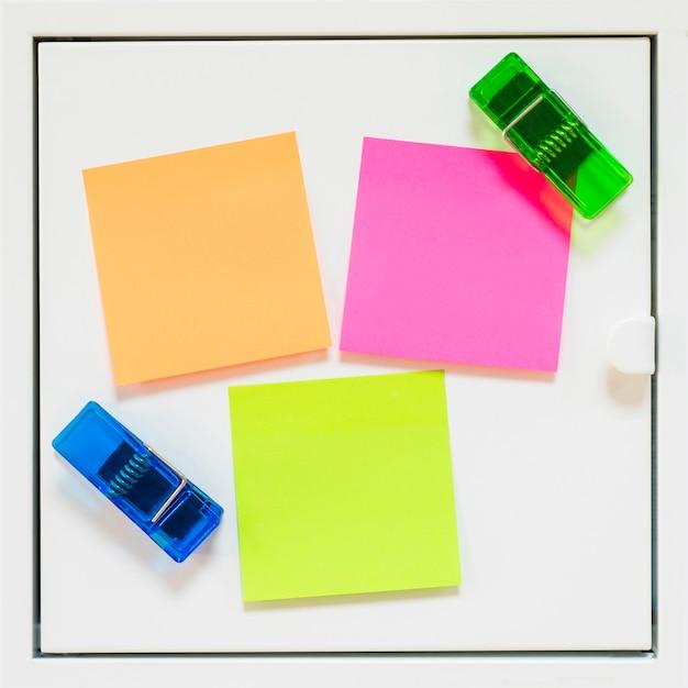 Notes et supports collants Photo gratuit