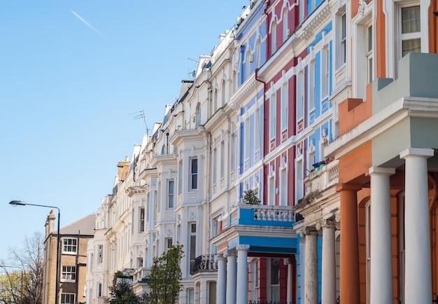 Notting hill, maisons colorées à portobello Photo Premium