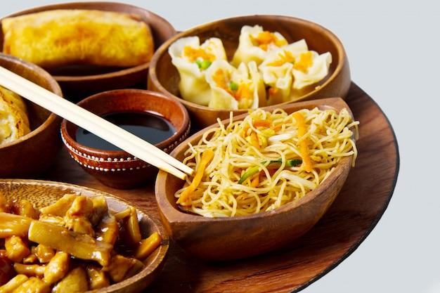 Nourriture chinoise mixte Photo Premium