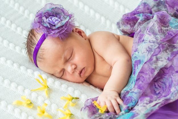 Nouveau-né princesse fille Photo Premium