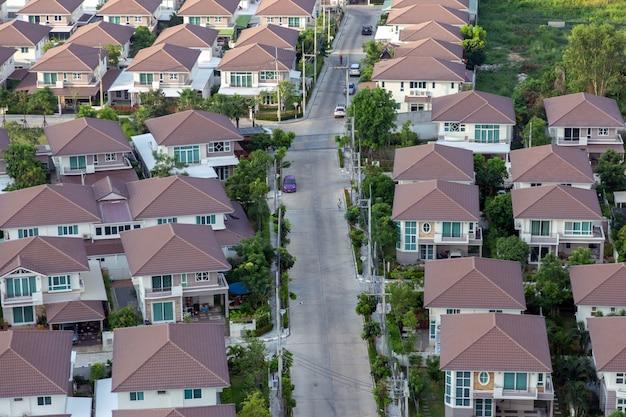 Nouvelle propriété de maison individuelle pour un nouveau terrain près du bord de mer Photo Premium