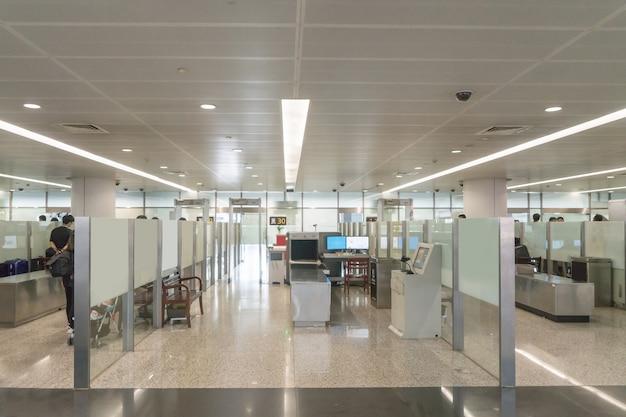 Une nouvelle salle d'embarquement à l'aéroport Photo Premium