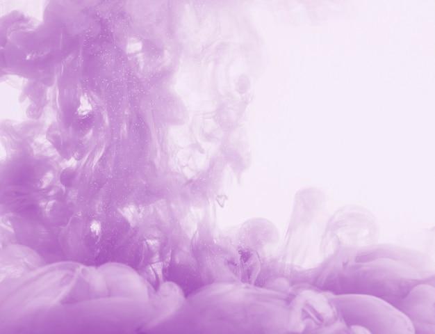 Nuage de brume pourpre dense Photo gratuit