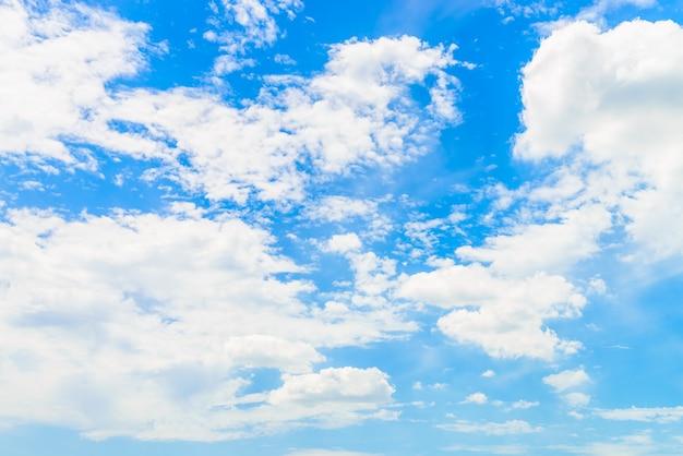 Nuage sur ciel bleu Photo gratuit