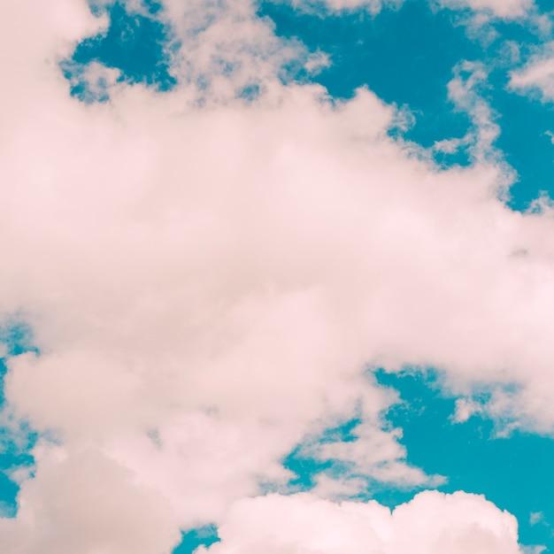 Nuages sur ciel bleu Photo gratuit