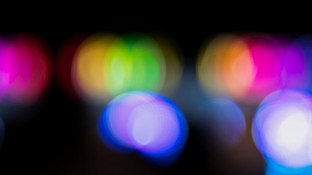 Nuit de bokeh abstraite avec des néons de la ville Photo gratuit