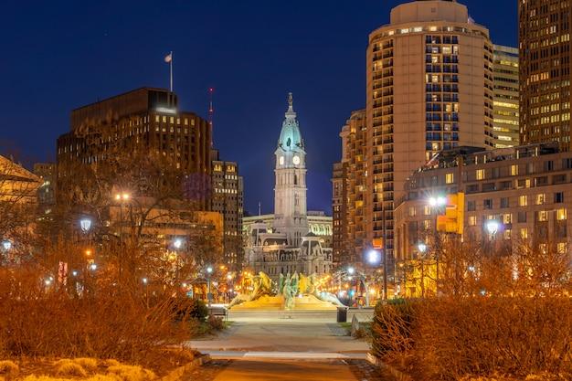 Nuit à l'hôtel de ville de philadelphie Photo Premium