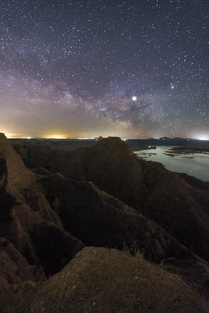 Nuit sur le lac 2 Photo Premium
