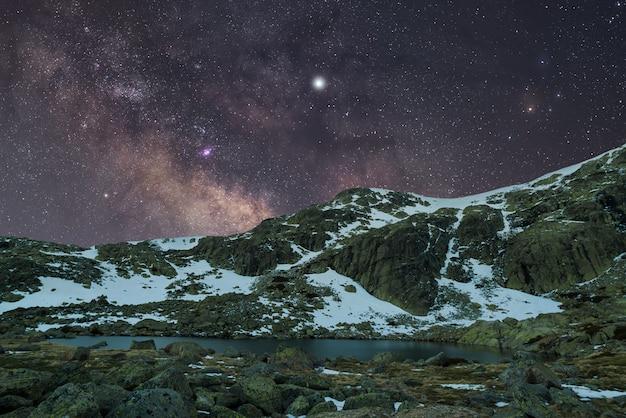 Nuit en montagne Photo Premium