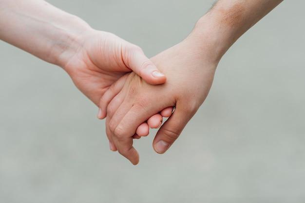 Offre main dans la main Photo gratuit