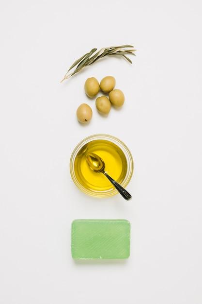 Olives Arrangées Produits Vue De Dessus Photo gratuit
