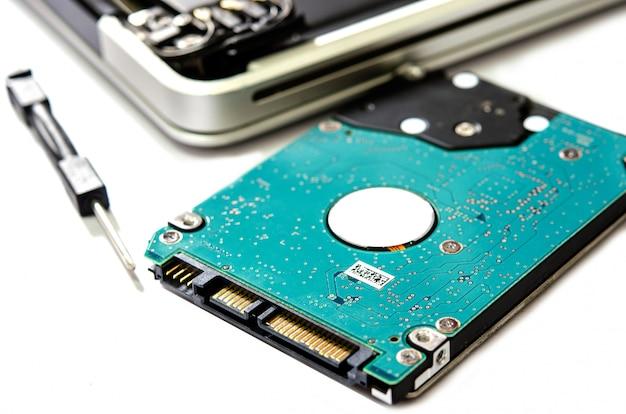 Ordinateur portable à disque dur. Photo Premium