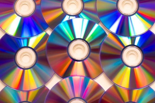 Ordinateur portable avec lecteur de cd optique cd dvd de réflexion ouvert Photo Premium
