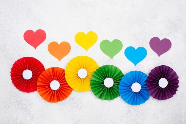Origami Coloré Et Coeur Photo gratuit