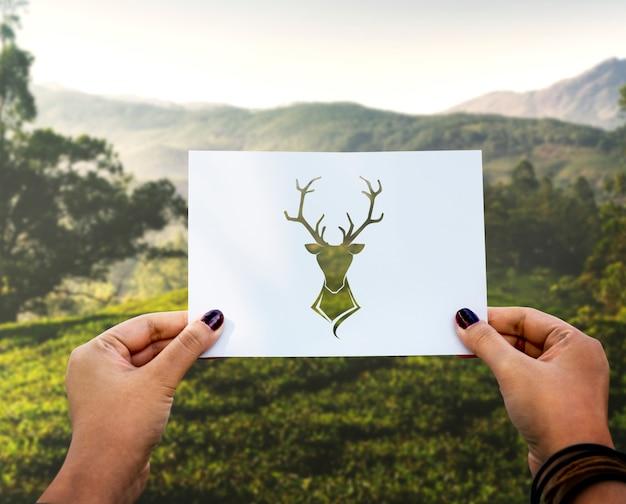 Orignal animal sauvage en papier perforé Photo gratuit
