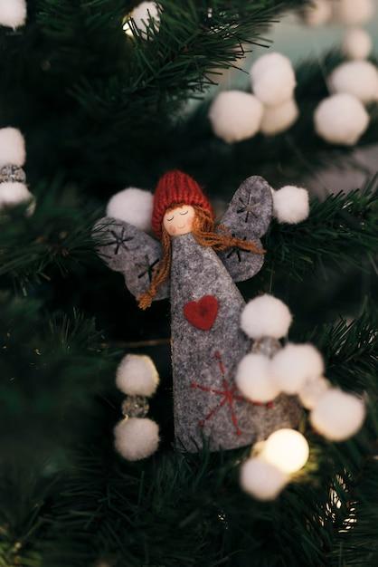 Ornement D'ange Magique D'arbre De Noël Photo gratuit