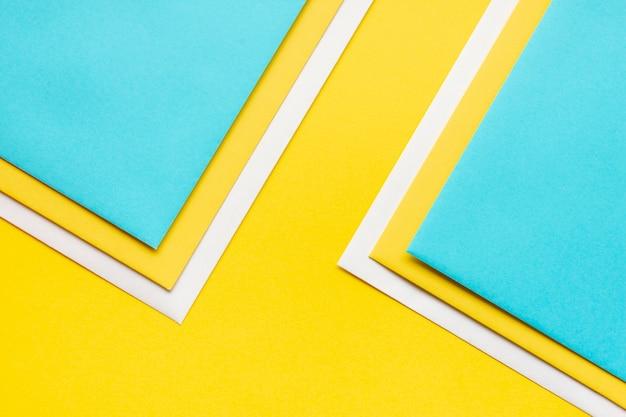 Ornement coloré de feuilles de papier Photo gratuit