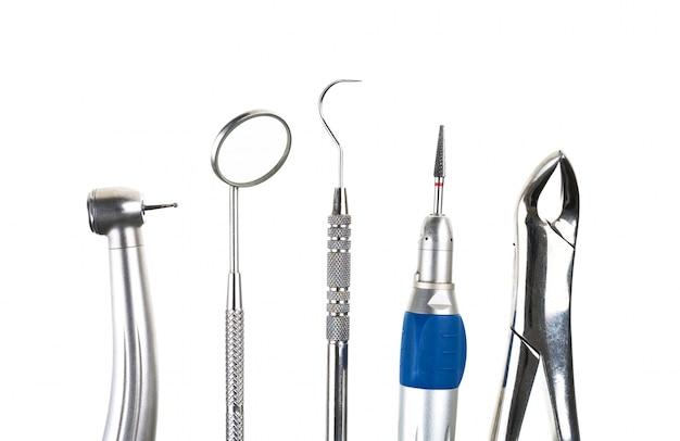 Outils de dentiste dans la rangée Photo gratuit