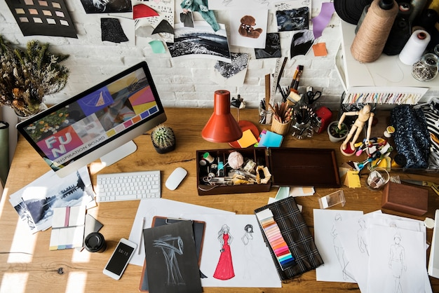 Outils et matériaux utilisés pour le design de mode Photo Premium